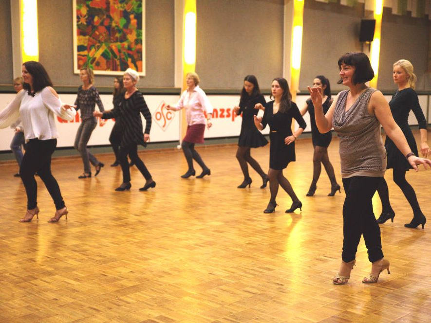 Lady-Style Workshop beim Salsa-Sommer-Team.